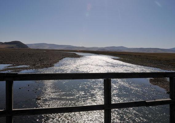 Flusslandschaft in der Mongolei