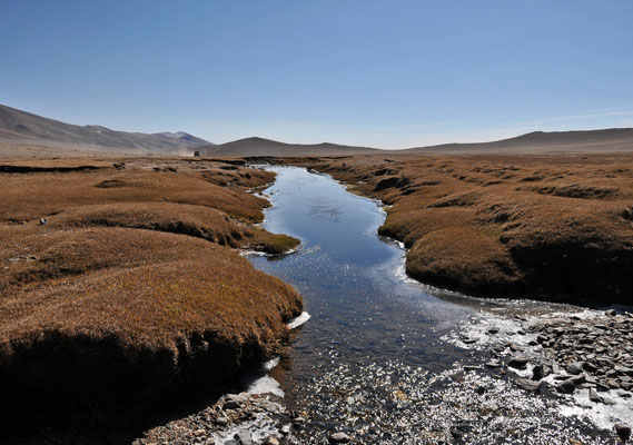 Bergbach bei Bayan Gol, Mongolia
