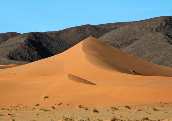 Düne am Rand des Erg Chebbi, Marokko Geländewagen - Reise im Mai