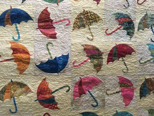 Parapluies Laura Laundry Basket Quilt Edyta Sitar