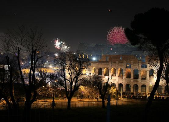 Silvester: Mini-Feuerwerk am Colosseum