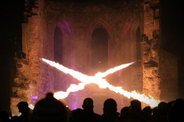 Marburg b(u)y night - Licht- und Musikshow an der Ruine der St. Franziskus Kapelle