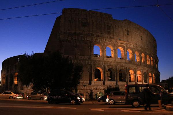 Das Colosseum am Abend