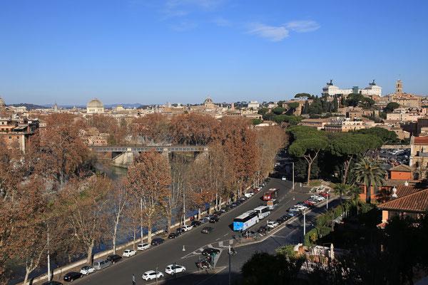 Blick auf Rom mit Nationaldenkmal