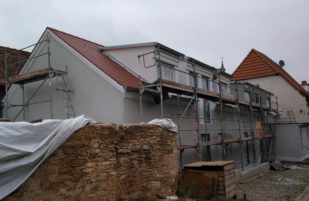 Weingut Hillabrand- an der Fassade Armierungslage mit Gewebeeinbettung