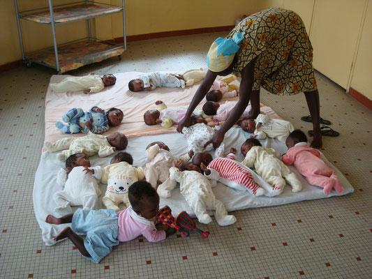 Senegal; Volunteer Kleinkinderheim