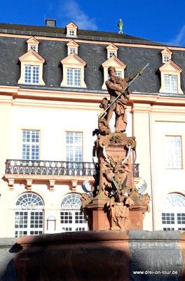 Marktplatz, Neptunbrunnen von 1709