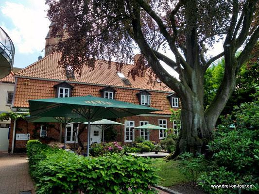 Altes Stadthaus  – im 200 Jahre altes, historischen Gebäude der früheren Koch'schen Kornbrennerei von 1813, heute Hotel