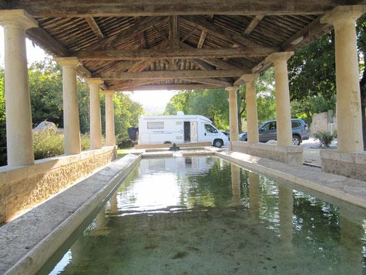 Goudargues - römischer Waschplatz