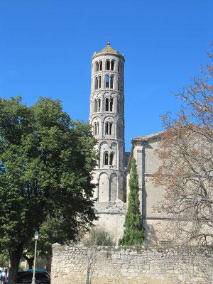 """Tour Fenestrelle, der romanische Campanile der Kathedrale """"Saint Théodorit"""""""