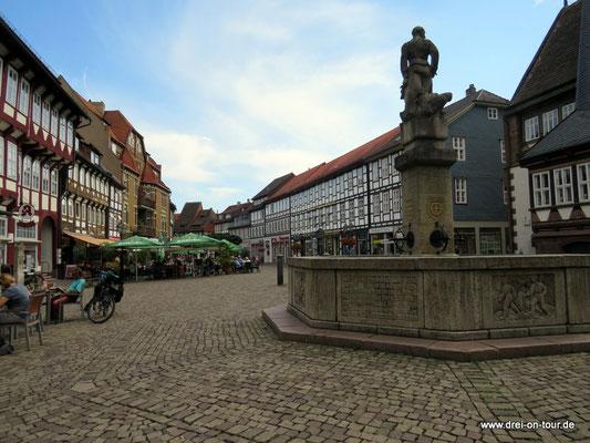 Marktplatz mit Eulenspiegelbrunnen, 1942