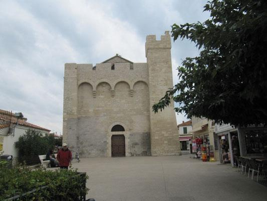 "die Wehrkirche ""Notre-Dame-de-la-Mer """