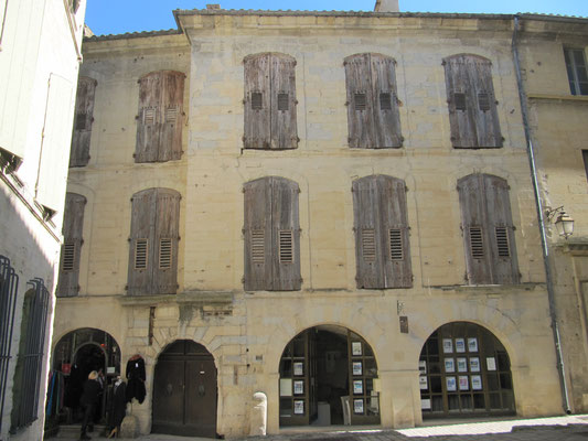 Arkaden Place aux Herbes