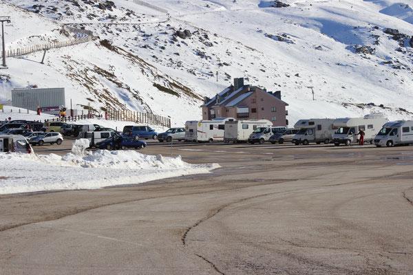 Der Womo-Parkplatz 2.400 m