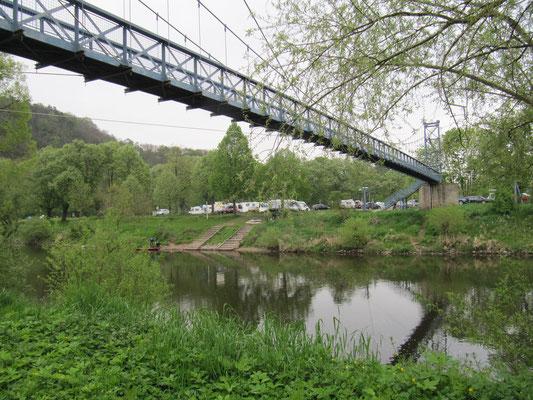 und nochmal Blick auf die Hängebrücke