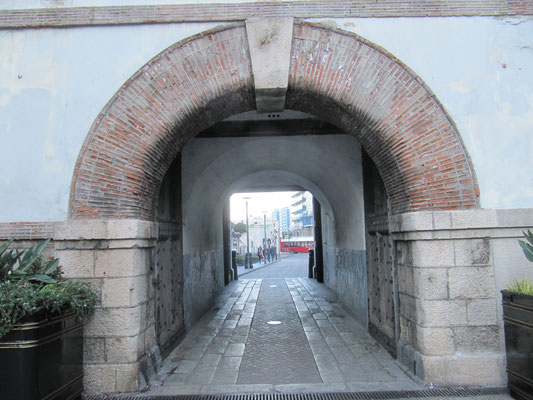 Durchgang zum Kasematten-Platz