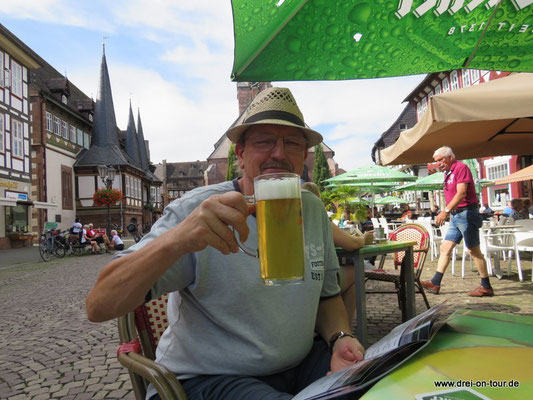 In Einbeck trinkt man natürlich Einbecker Bier