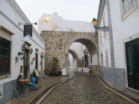 mittelalterl. Tor in die Altstadt