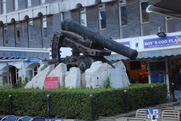 Kanone auf dem Kasematten-Platz