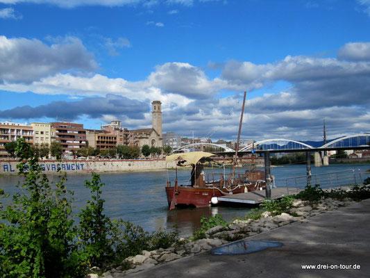 am Ebro entlang in die Altstadt