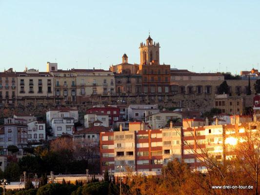 Blick auf die Stadt in der Abendsonne