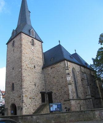 Evangelische Stadtkirche, gotisch, mehrere Bauabschnitte, zuletzt 1435