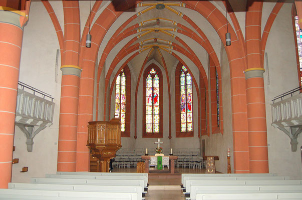 dreischiffige Hallenkirche