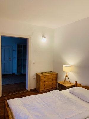 Im Linden-Zimmer - Blick zur Tür.