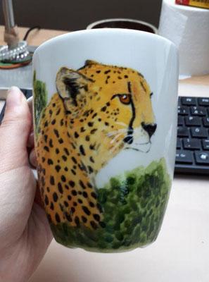 April 2018 - Gepard - eckige weiße Kaffeetasse