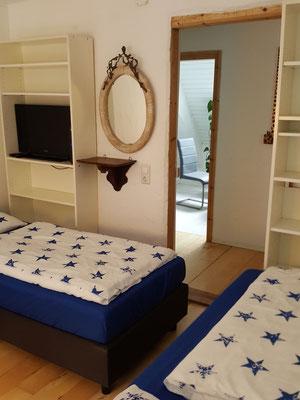 Schlafzimmer 1, mit 3 Betten