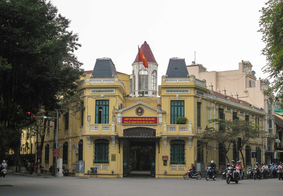 Bâtiment colonial à Hanoi autour du Lac Hoan Kiem