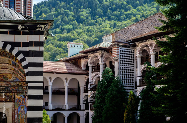 Monastère de Rila - reconstruite suite  à l'incendie de 1833 grâce à une souscription nationale