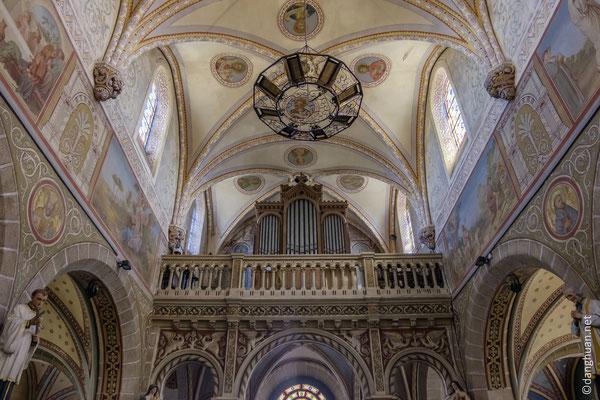 L'intérieur de l'église de Pré-en-Pail-Saint-Samson (53)
