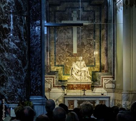 Basilique St Pierre - La Pietà (Michel Ange)
