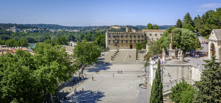 Avignon - vue sur le pont depuis le palais des papes