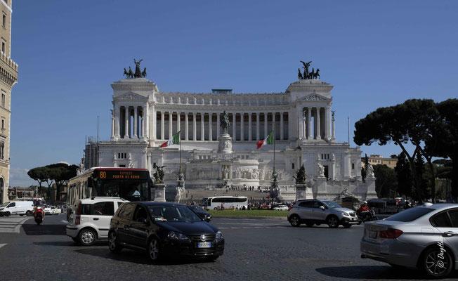 Piazza Venicia - Le monument Il Vittoriano