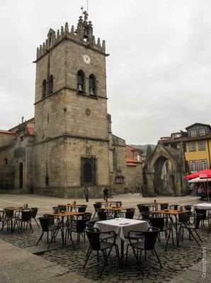Guimaraes - Largo de Oliveira