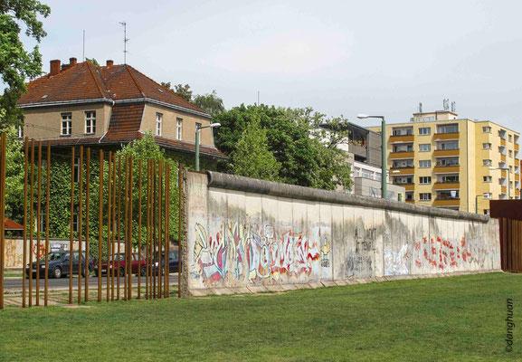 Mauer-gedenkstatte - Bernauer Strasse