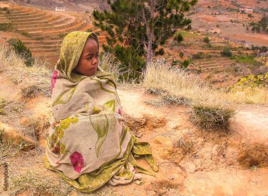 Jeune fille sur le plateau du centre