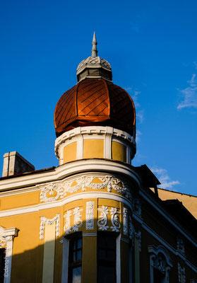 Grâce au pétrole et au tourisme balnéaire, Burgas est devenue aujourd'hui une ville de 200.000 habitants