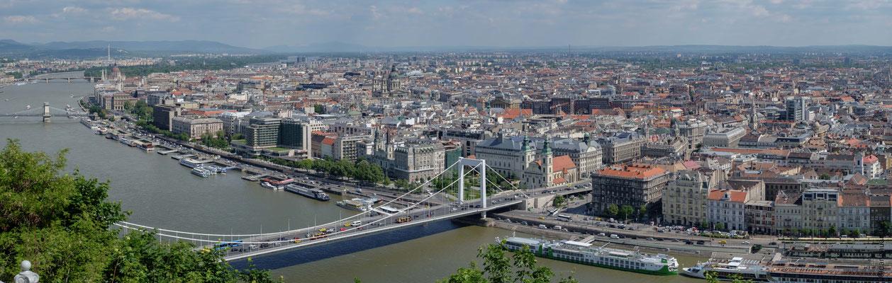 le pont Erzsebet Szabad sajto et Pest
