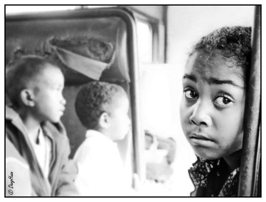 Attente dans le train Manakara vers Fianarantsoa