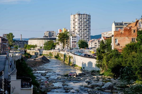 Gabrovo - est une ville du centre de la Bulgarie adossée au versant nord de la chaîne montagneuse Stara Planina ou Grand Balkan