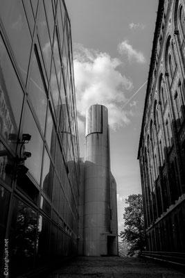 Entre deux immeubles de bureau dans le quartier haut de Buda