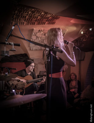 Virginie Henry Trio au Sunset (Hélios Martinez (guitare))