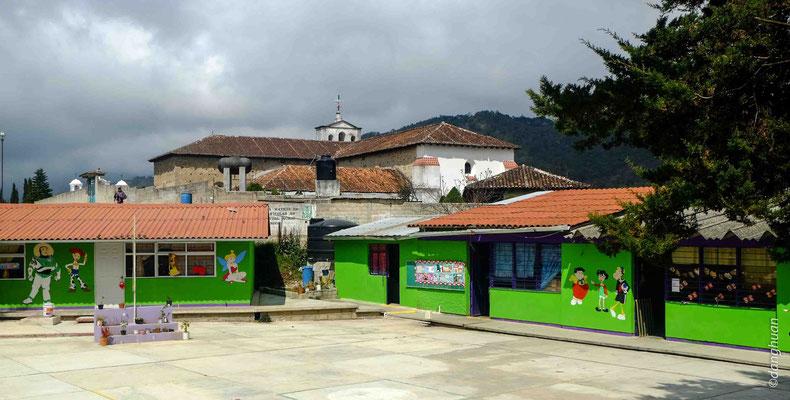 Ecole près de San Juan de Chamula