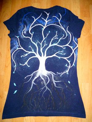 T-Shirt mit Baum auf der Rückseite
