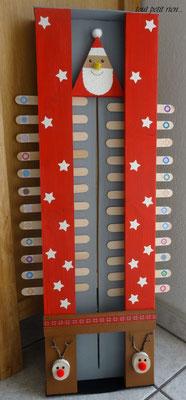 Calendrier de l'Avent tout en bois, avec des boîtes d'allumettes et des bâtonnets. www.toutpetitrien.ch/fleurysylvie