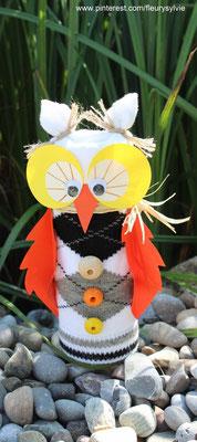 Bricolage hibou : recyclage d'un tube en carton et d'une chaussette qui a perdu sa copine ! www.toutpetitrien.ch/bricos/ - fleurysylvie