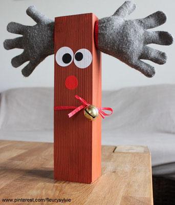 Renne avec un carrelet de bois et les gants trop petits des enfants. www.toutpetitrien.ch/bricos/ - fleurysylvie